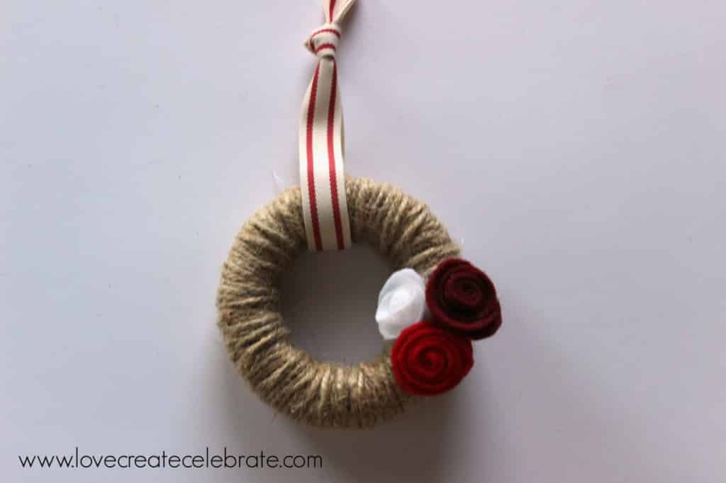 How to make your own jute ornament