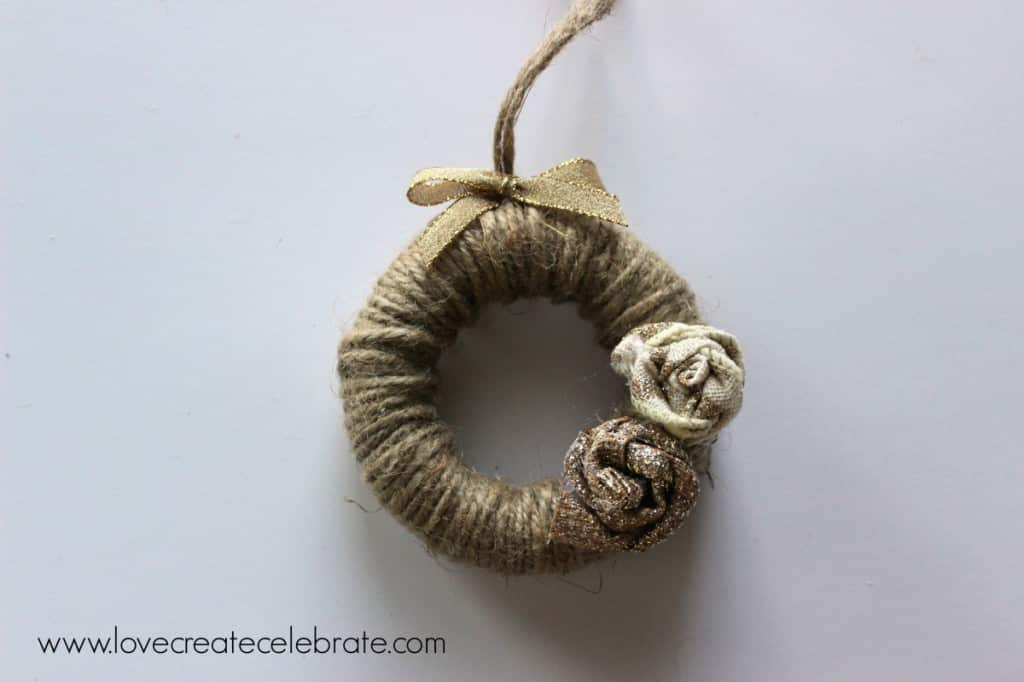 Make your own jute wreath ornaments
