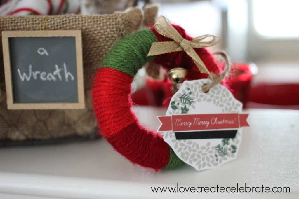 yarn wreath party favours