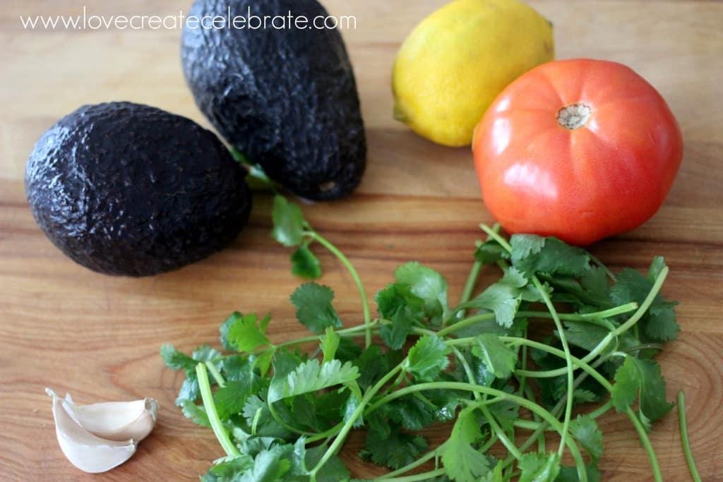 Easy 5 Minute Guacamole