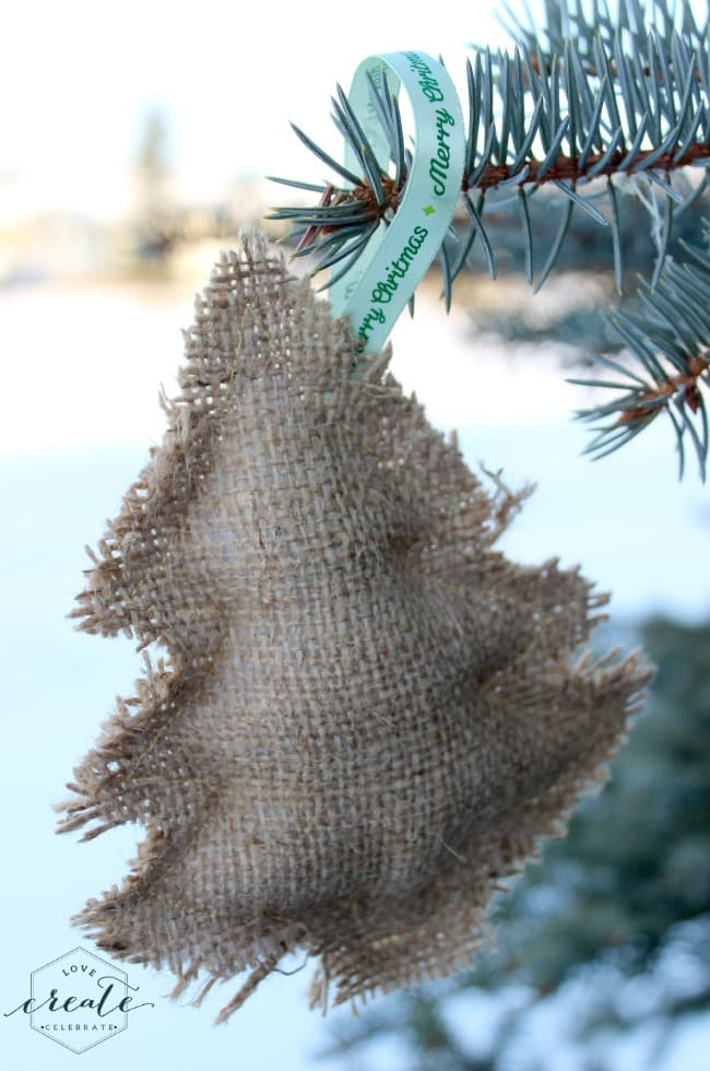 Christmas tree burlap ornament made with a simple template
