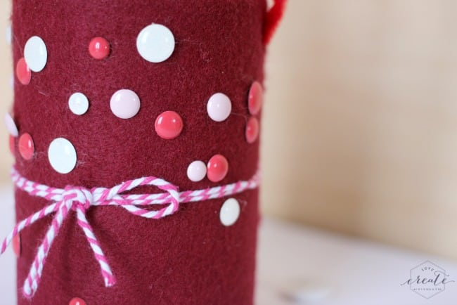 Your kids can decorate these valentine's day tin cans in so many fun ways