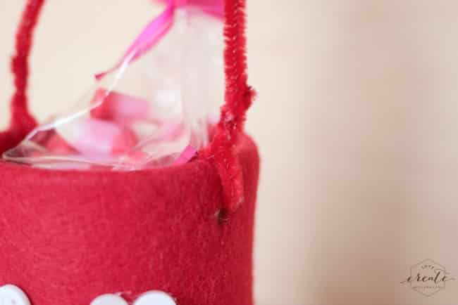 This simple valentine's day craft is perfect for your kids to enjoy valentine's day