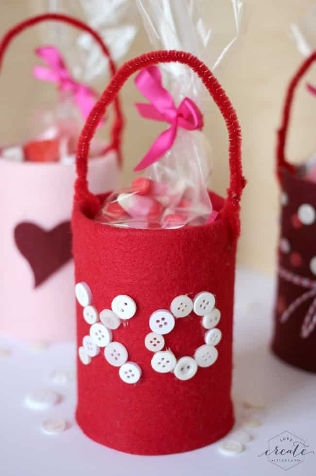 These valentine's tin cans are perfect for valentine's candy