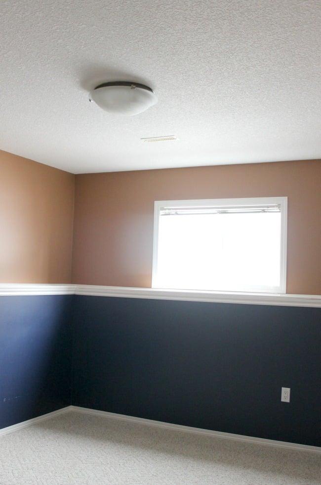 Ceiling Light in Bedroom Before Reno