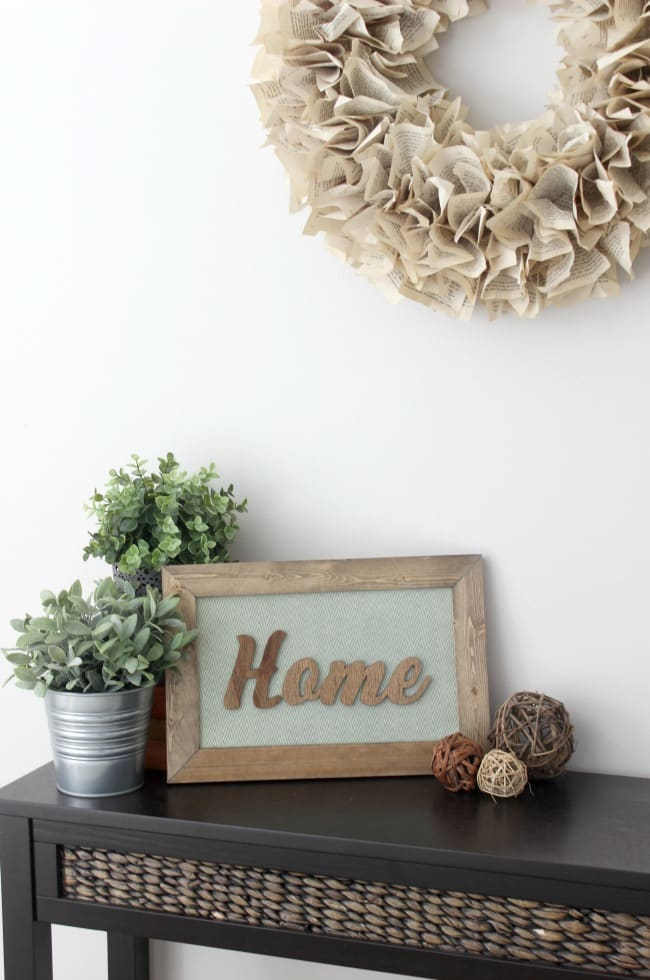 Love this DIY Rustic Wood sign. Perfect home decor piece!