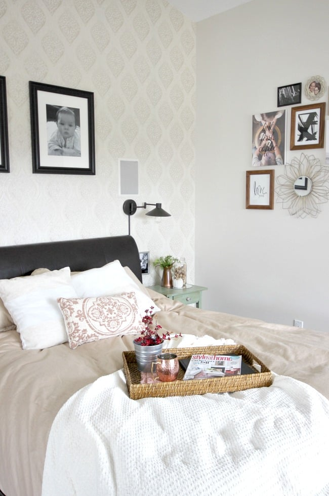 Warm and inviting home decor in the bedroom