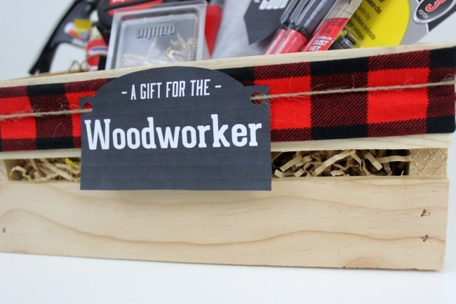 Instead of gift baskets, why not opt for the more manly Gift Crate?! These crates make the perfect gifts for woodworkers, and comes with a huge list of suggestions to go inside! #woodworkers #gifts #Christmas #fathersday
