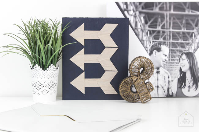 Beautiful wooden home decor idea that doesn't require any power tools! The perfect modern Valentine's day decor, or the perfect piece for your gallery wall :)