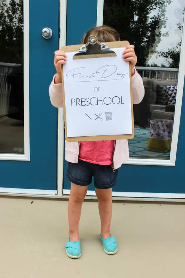 Modern Printables for your little girl or boy's first day of school. These Printables start at preschool, but can be used through every grade until they are finished high school! LOVE this pretty alternative to mark the new school year!