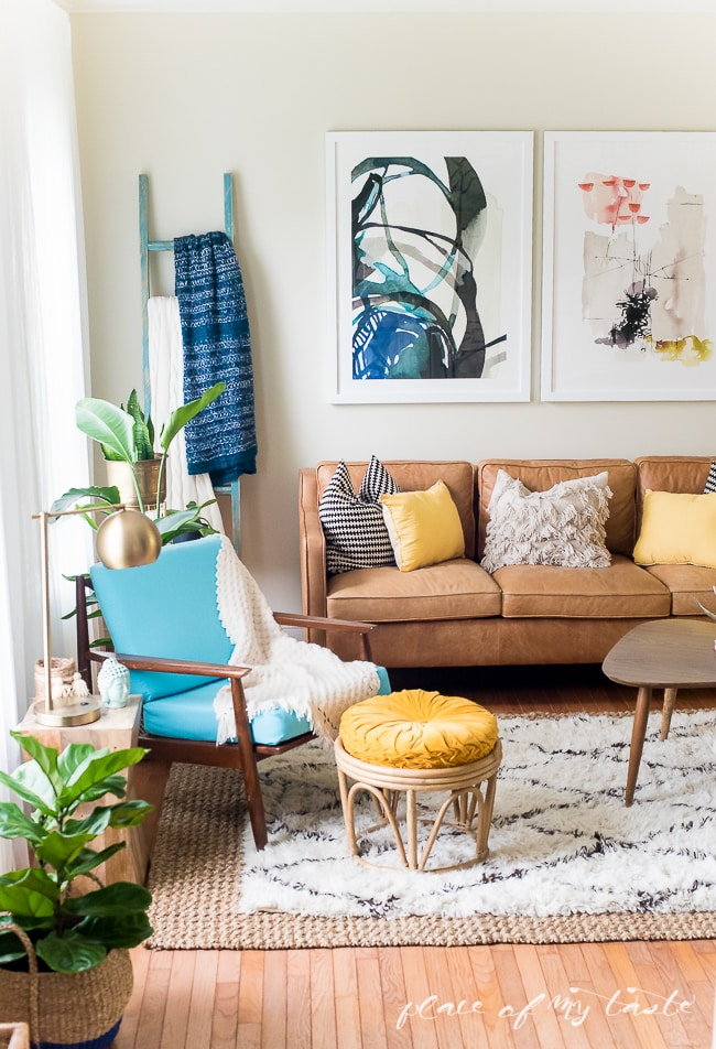 Beautifully layered modern modern rugs for any room in the home! LOVE this beautiful design trend and now you can incorporate it into your home with beautifully layered sisal, jute, cowhide, and modern rugs. Love this living room!