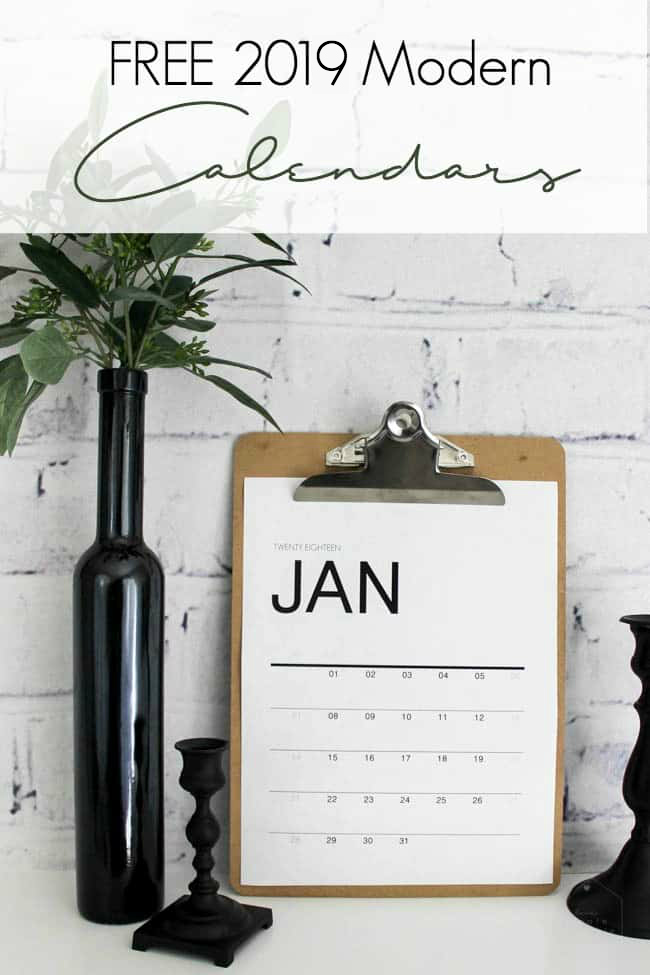 Download a FREE 2019 monthly wall calendars. Get organized this year with beautiful monthly calendars from January to December! #newyear #organization #2019 #freeprintables #calendar