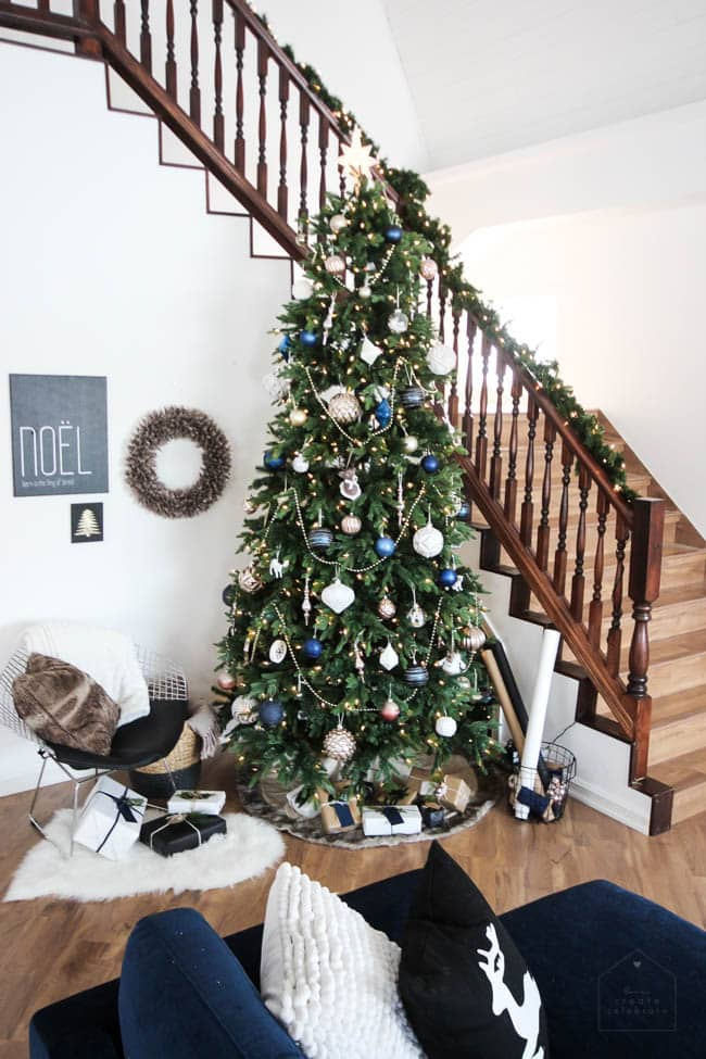 Your Christmas tree can fit any theme of decor in your home—simple and beautiful!