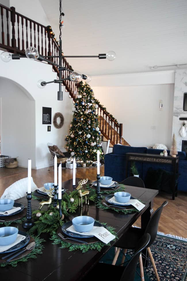 A beautiful modern Holiday Dining Room