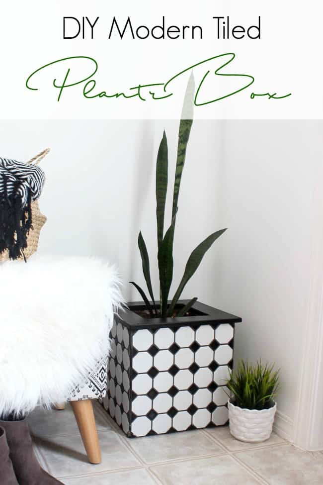 Beautiful ideas to make your own modern tiled planters! Love the beautiful black and white tiles from Jeffrey Court Tile on this modern square planter box! A cheap and clever way to use your leftover tiles.