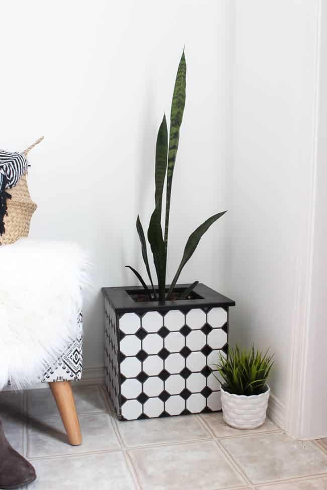 These beautiful, modern DIY tiled planter boxes are a super easy project and make a great addition to your home decor