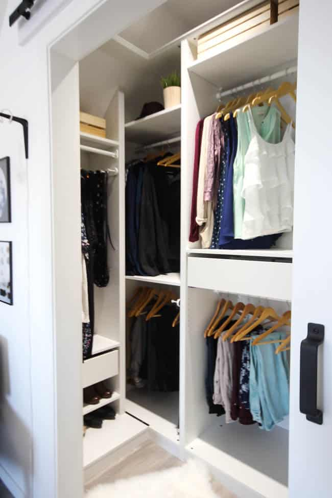 A stunning dream closet is possible, even when you only have a small space to work with! Love the modern ideas for this his & hers closet. A beautifully organized walk-in closet for a small room!
