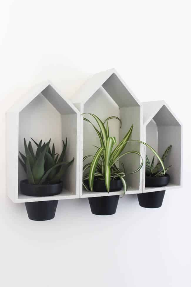 These simple and modern hanging planters are a super easy craft