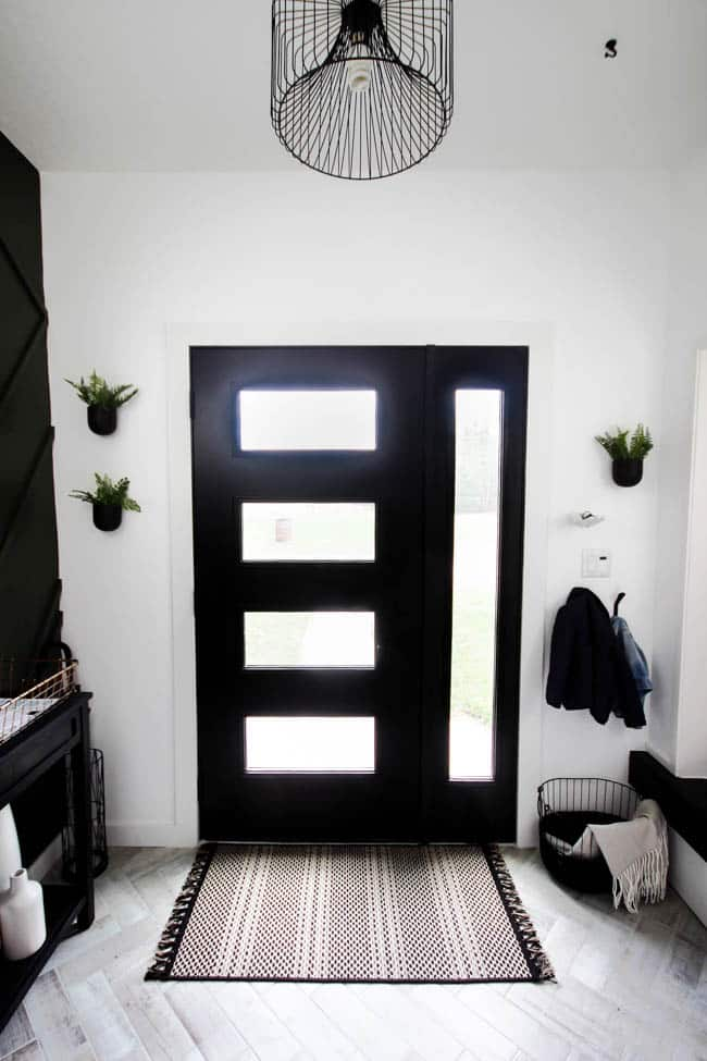 This modern entryway makeover is so simple and stunning