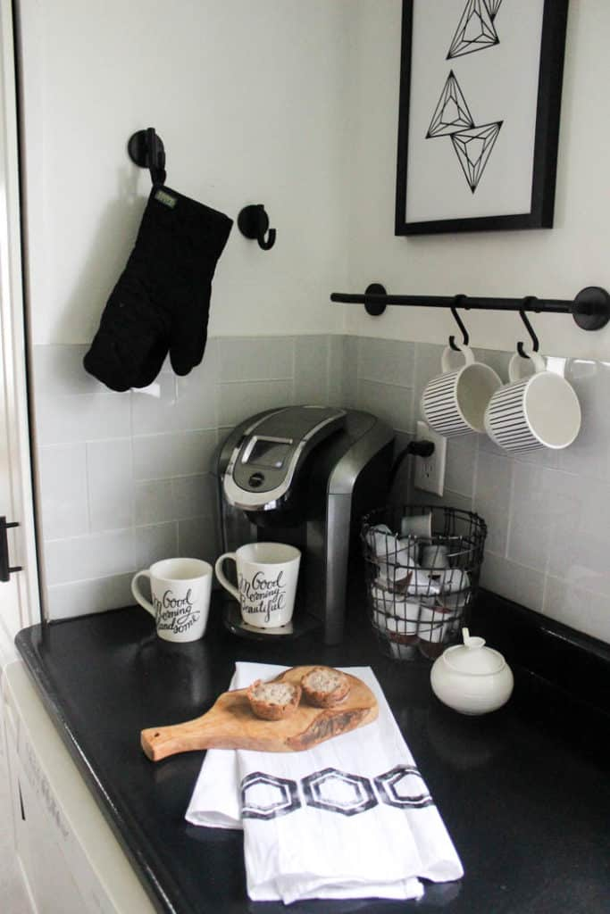 These modern tea towels are an easy craft when you make your own stamps