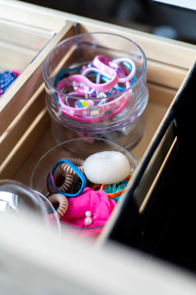 Storage for hair accessories in the bathroom! Love these 5 great tips for organizing your drawers. So many practical and functional ideas for how to organize with just a few items. Beautiful stylish organization! #organization #bathroomorganization #modernbathroom #homeorganization #konmari