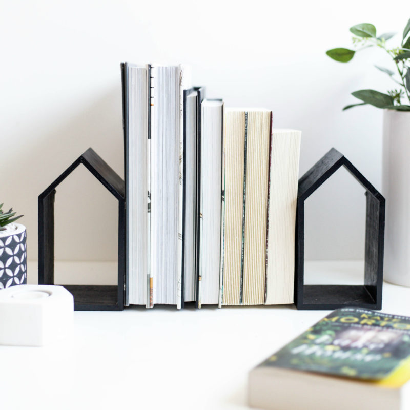 Modern house bookends