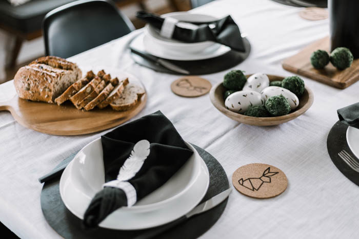 black napkins and white plates