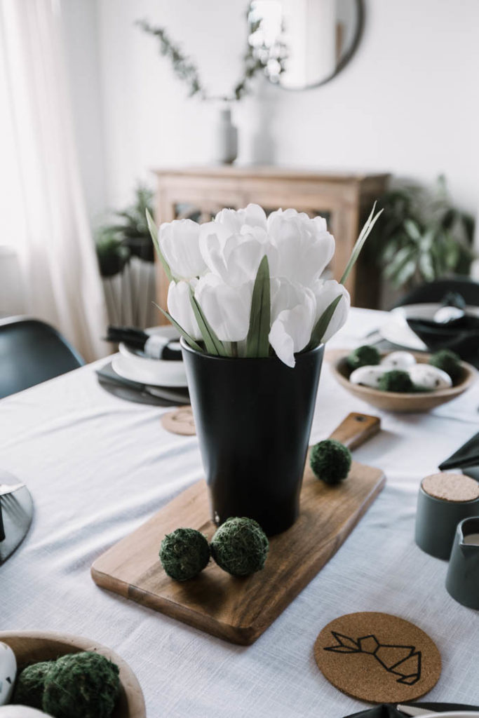 minimalist nordic centerpiece for Easter