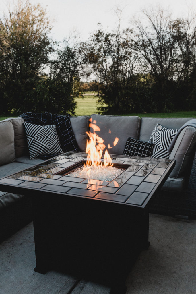 Stunning outdoor DIY fire pit