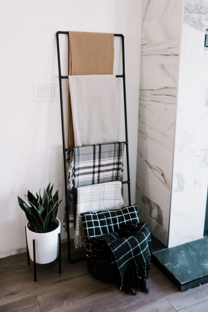 DIY Modern Blanket Ladder