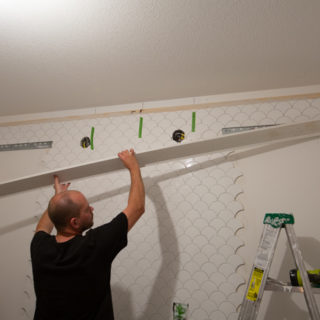 putting crown molding over tile
