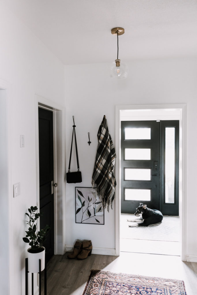 gorgeous modern hallway decor