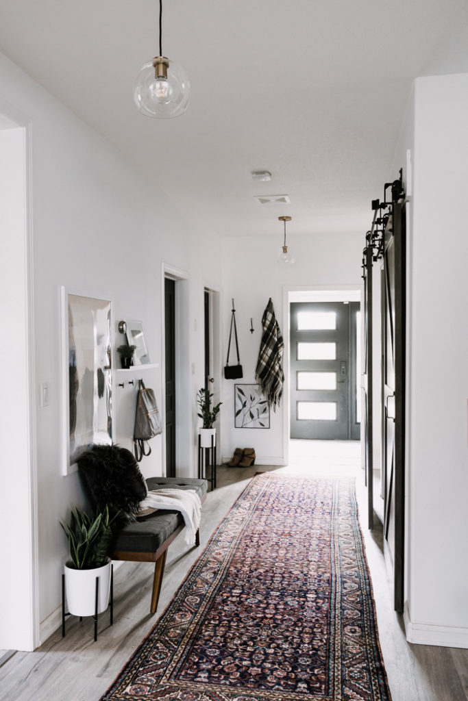 tips for choosing hallway lighting
