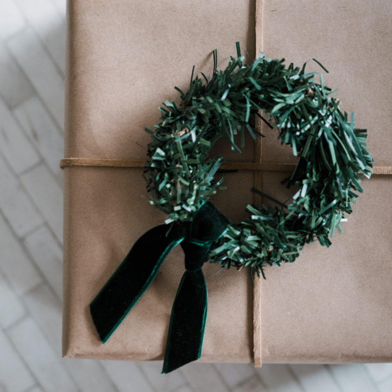 mini wreath gift wrap ideas