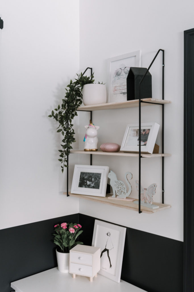 girls bedroom shelf styling
