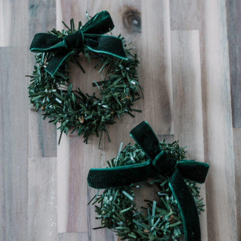 DIY mini pine wreaths