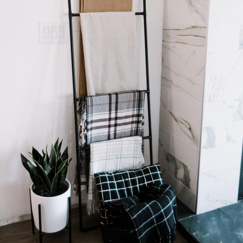Simple Blanket Ladder to make this weekend