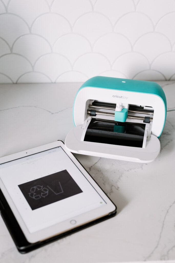 how to use Cricut smart vinyl