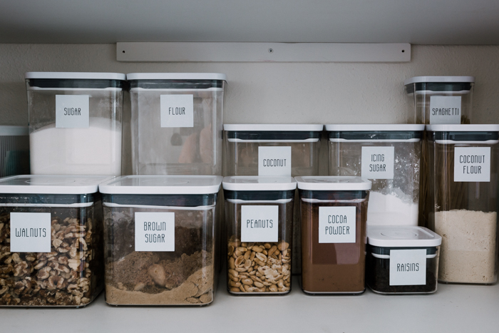 pantry labels with bulk food to reduce waste at home