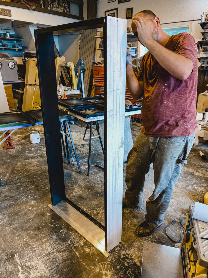 adjusting a free door frame