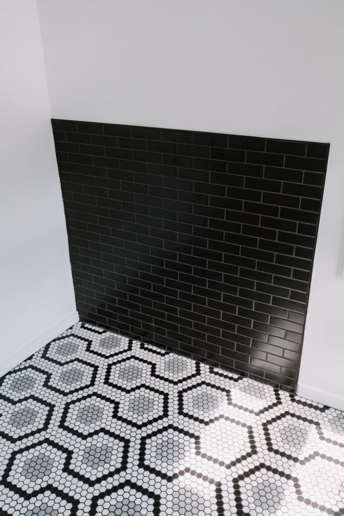Beautiful modern black and white tile combination