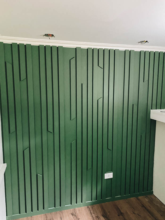 moulding accent wall DIY