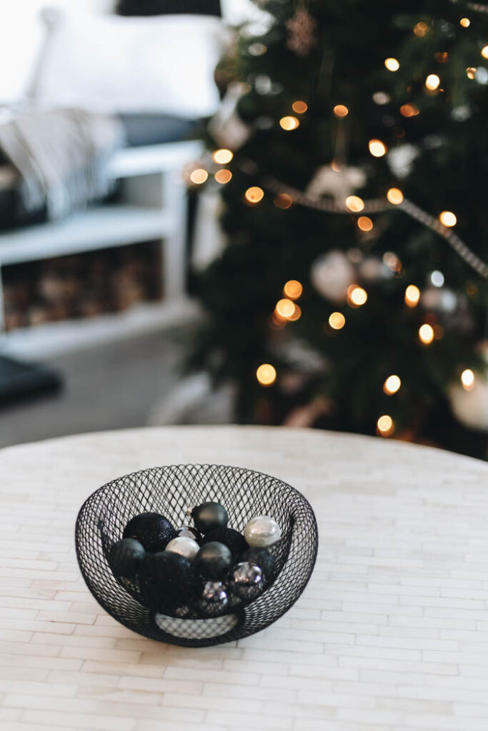Simple Coffee Table Christmas Decor