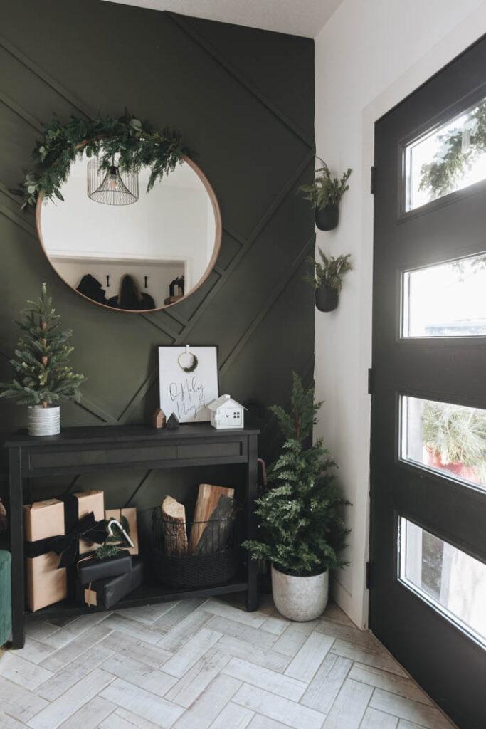 modern Christmas entry