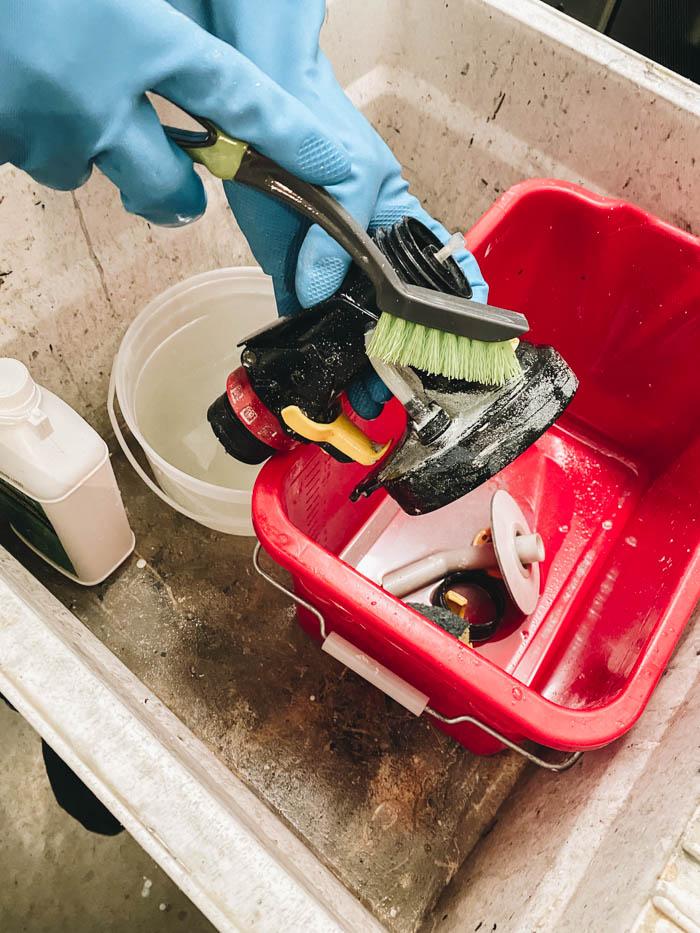 how to scrub paint sprayer clean