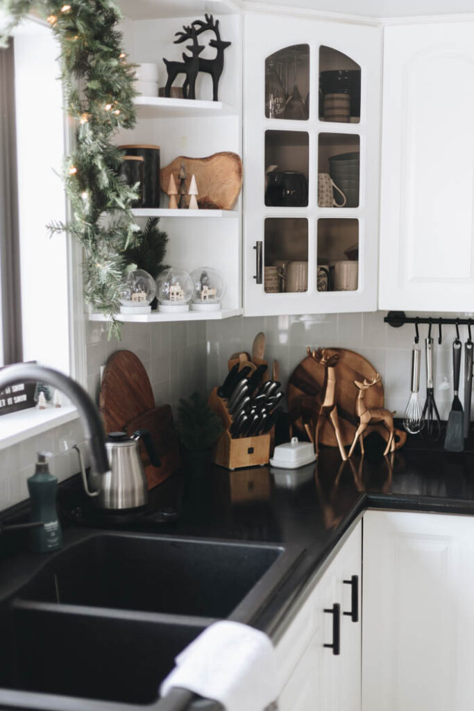 Kitchen shelving decorations