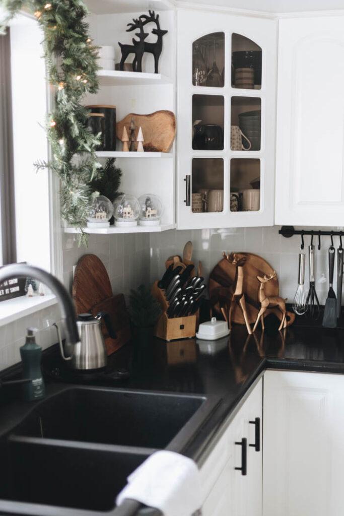Kitchen shelving decorations