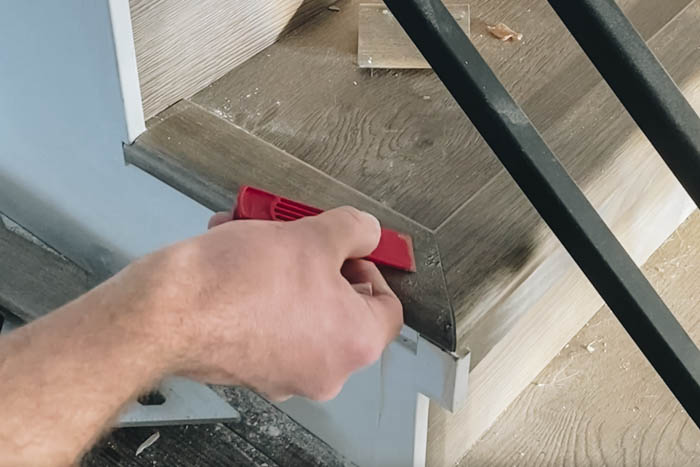 how to fill mitres, chips or cracks in laminate flooring