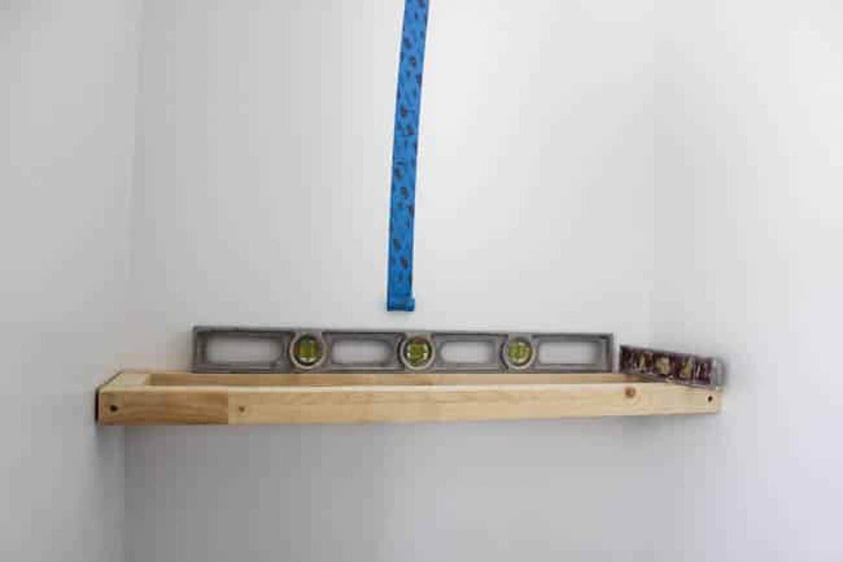 Leveling framing for shelves