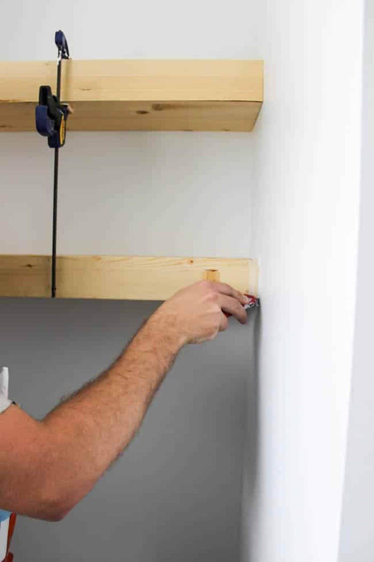 Installing easy floating shelves